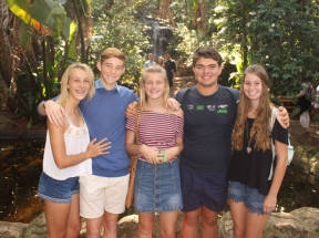 AT THE BOTANICAL GARDENS Chanel Dohse, Luann Botha, Steph-Marie de Lange, Stefan Corbett and Jenelle de Jonge.