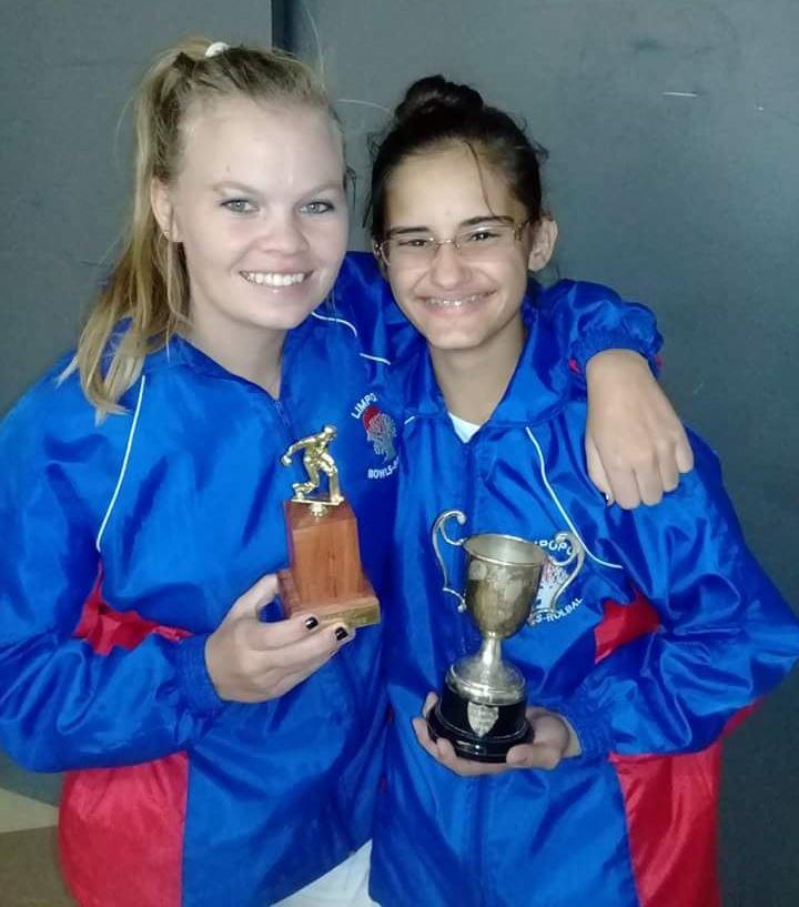 Bridget Calitz (o.30 Meesterskampioen) saam met Saira Junqueira (o.15 Meesterskampioen).