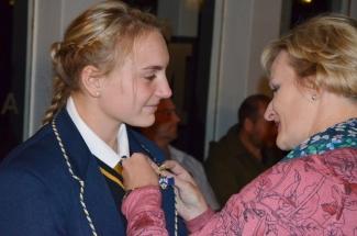 Hoofmeisie, Simoné van den Bergh ontvang haar balkie by haar moeder.