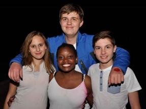 Voor: Eruzanne Jansen van Rensburg, Stella Nkuna en Henrico Human. Agter: Heinrich Schultz.