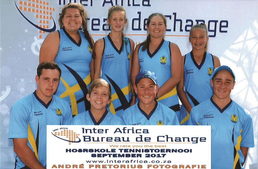 Front: Hendro van Helsdingen, Ross Hunter, Jack and Leyton Lyon. Back: Nina Grové, Aimee Schoeman, Ronel du Toit and Cayla Scheepers.