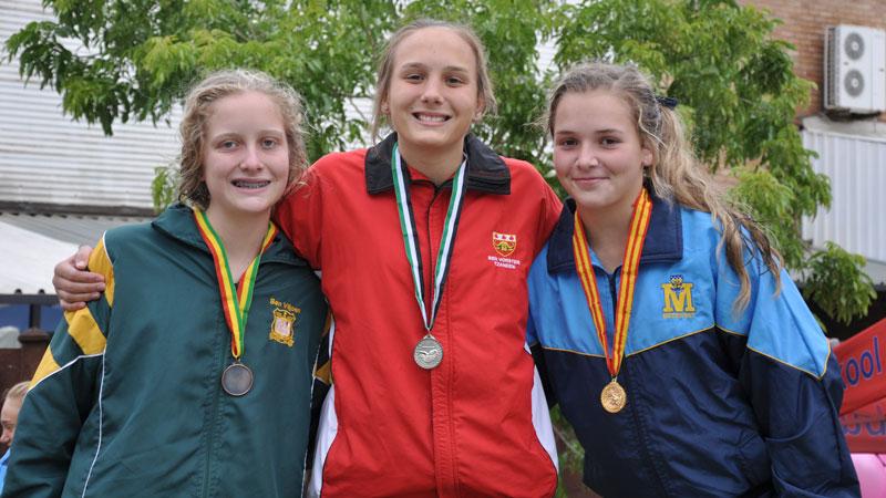 GOLD MEDAL WINNER: Tayla Vos (u.15)