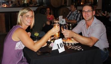 Wendy en Cor Dreyer toasting a successful evening.