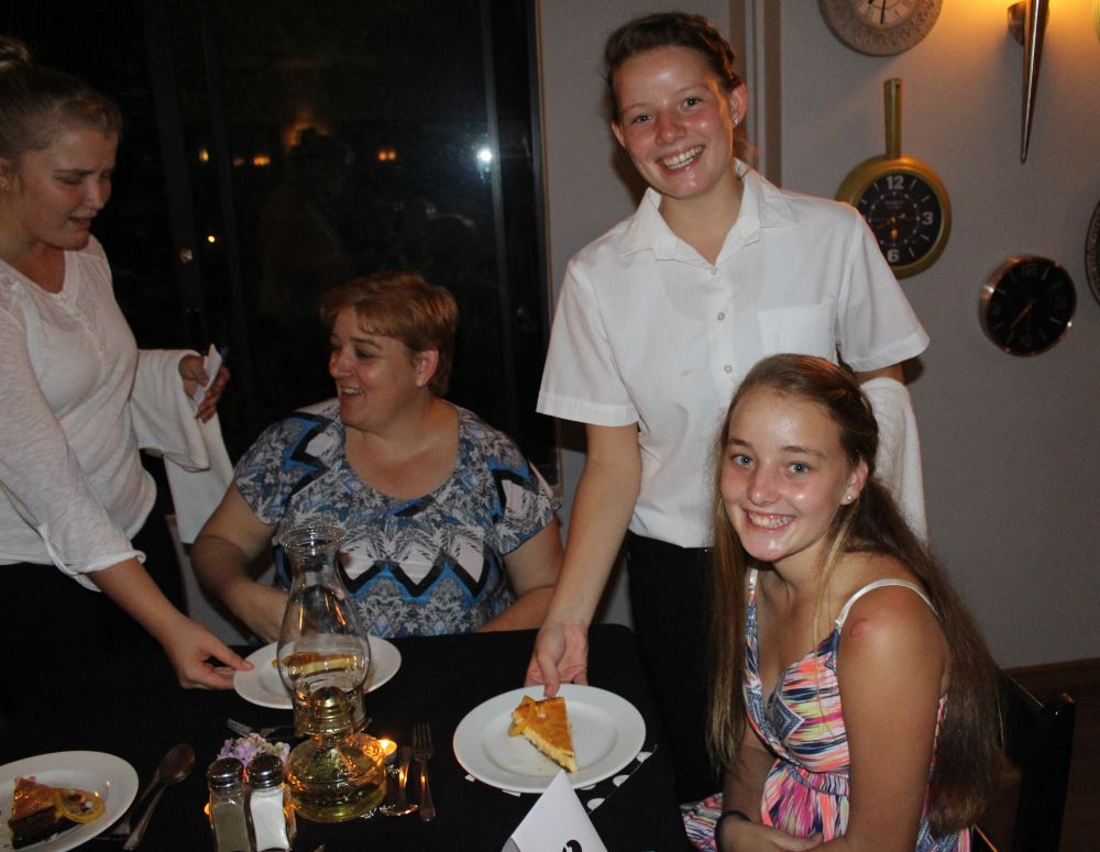 SERVICE WITH A SMILE. Clariska Venter and sibling Juanet.