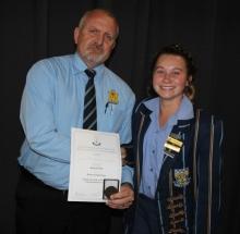Mr Magnus Steyn (headmaster) and Kesia Pohl.