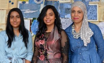 Zainab en Aaliyah Modan en Ma Munira.